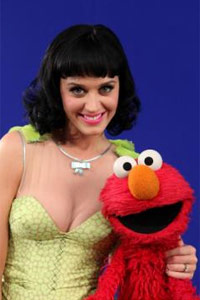 Katy Perry is ready to play dress up with Elmo (growingyourbaby.com)