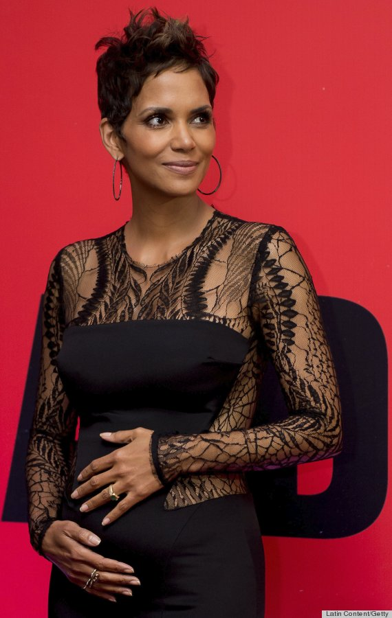 Halle Berry enjoys her second pregnancy (huffingtonpost.com).