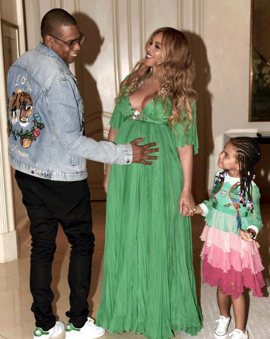Pregnant-Beyonce-and-Family