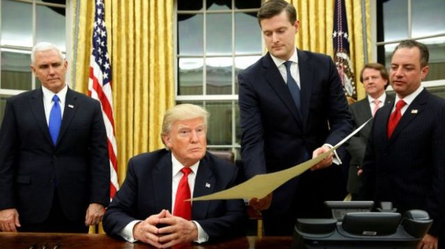 Rob-Porter-with-Trump-Pence